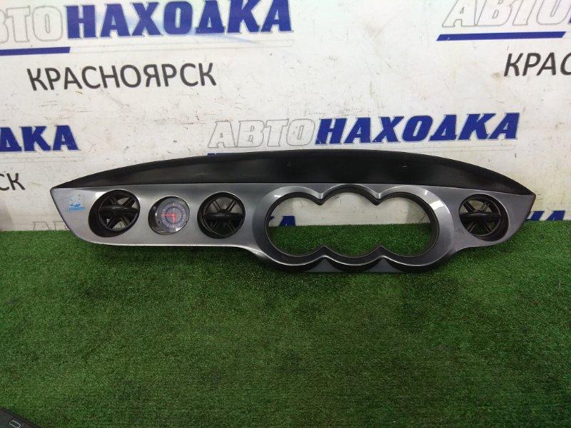 Козырек панели приборов Daihatsu Yrv M201G (М50) облицовка вокруг щитка приборов с часами и