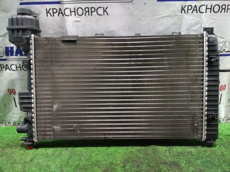 Радиатор двигателя Mercedes-Benz A160 168.033 166.960 1997 A1685000302, A 168 500 06 02 под АКПП, с диффузором и