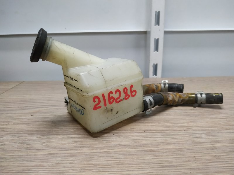 Бачок для тормозной жидкости Toyota Hiace KZH106G 1KZ-TE 1994 47221-26120