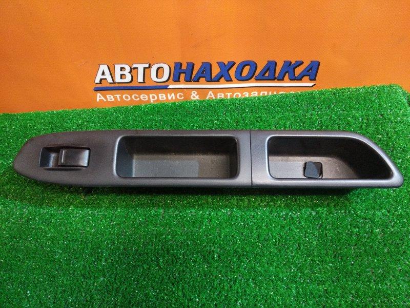 Кнопка стеклоподъемника Subaru Forester SG5 EJ20 передняя левая