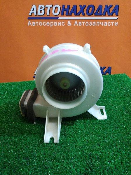 Мотор охлаждения батареи Toyota Alphard ATH10 2AZ-FXE 87130-58060 МОТОРЧИК ОХЛАЖДЕНИЯ БАТАРЕИ