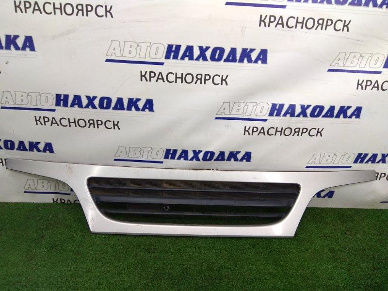 Решетка радиатора Toyota Dyna XZU306M S05D 1999 53111-37220 серебро (код 199), на узкую кабину, есть