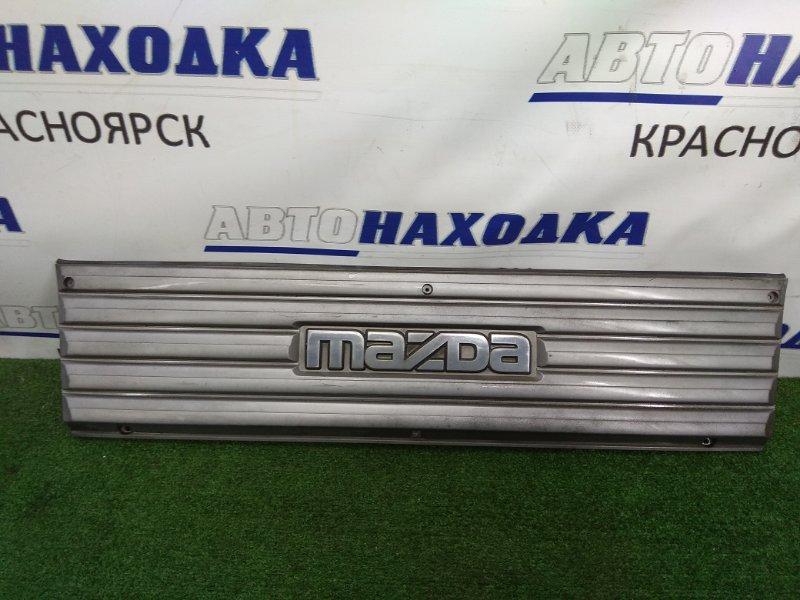 Решетка радиатора Mazda Bongo Brawny SD2AT R2 1990 S41450710 серая, потертости