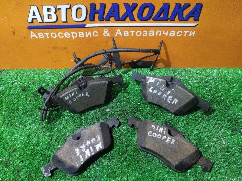 Колодки тормозные Mini Cooper R53 W10B16 передние КОМПЛЕКТ, С ДАТЧИКОМ