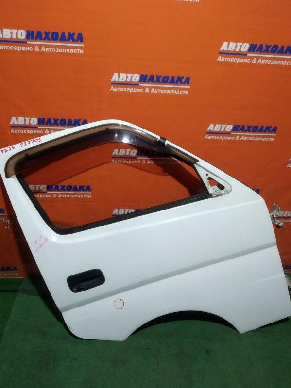 Дверь Nissan Caravan VPE25 KA20DE 2001 передняя правая есть царапина/ветровик+кронштейны двери/без