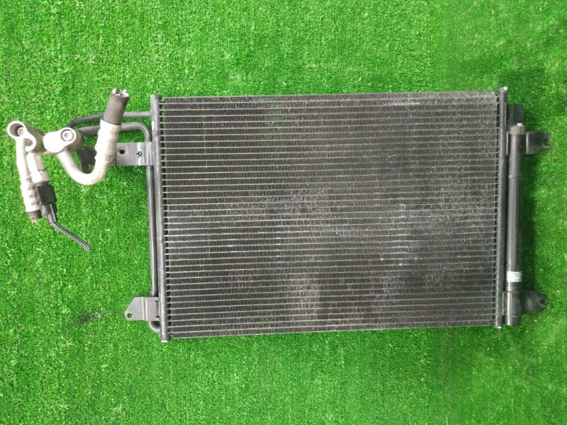 Радиатор кондиционера Volkswagen Golf 5K1 CAXA 2009 1K0820411B
