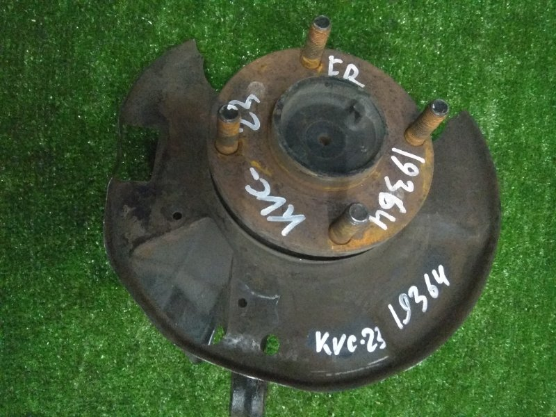 Ступица Nissan Vanette Serena KVC23 передняя правая FR без диска и суппорта