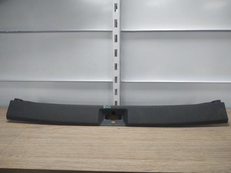 Накладка багажника Toyota Corolla AE100G 5A-FE задняя 64716-13060, 64716-13060-P0 накладка замка багажника ,
