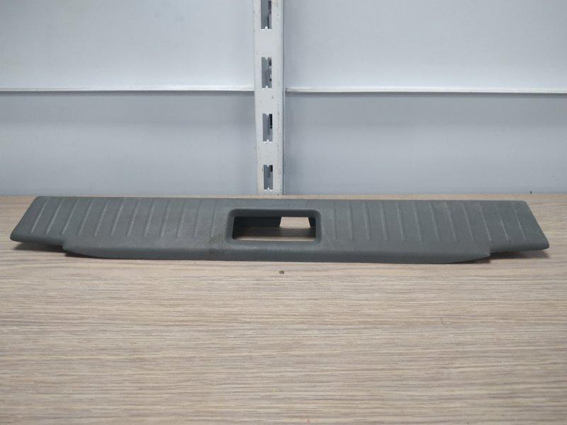 Накладка багажника Nissan Bluebird EU14 SR18DE задняя 849218E000 накладка замка багажника