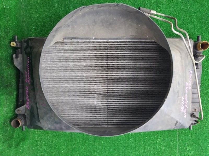 Радиатор двигателя Ford Expedition UN93 TRITON 4.6L 1996 F75H8005JB В сборе с диффузором, дефект