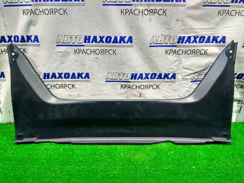 Накладка багажника Toyota Camry ACV30 2AZ-FE 2001 58387-33070 накладка замка багажника, все