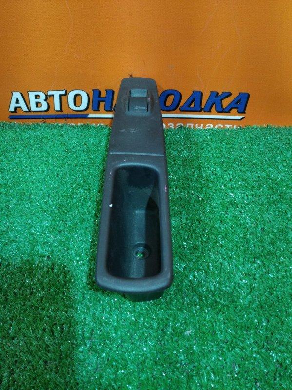Кнопка стеклоподъемника Mitsubishi Colt Plus Z23W 4A91 задняя левая 8608A012