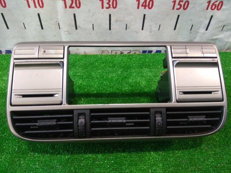 Консоль магнитофона Nissan X-Trail NT30 QR20DE 2001 облицовка центральной консоли под