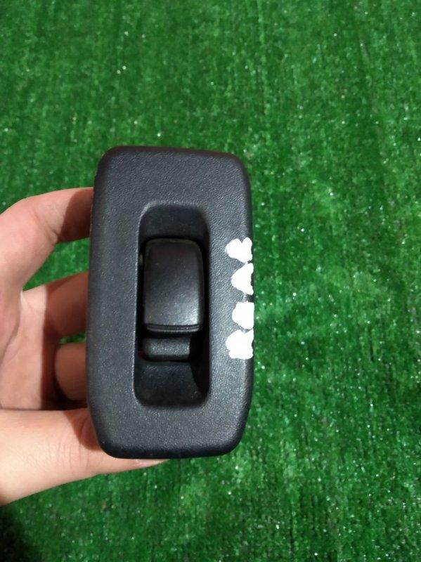 Кнопка стеклоподъемника Mitsubishi Pajero Io H77W 4G94 2000 задняя правая +накладка