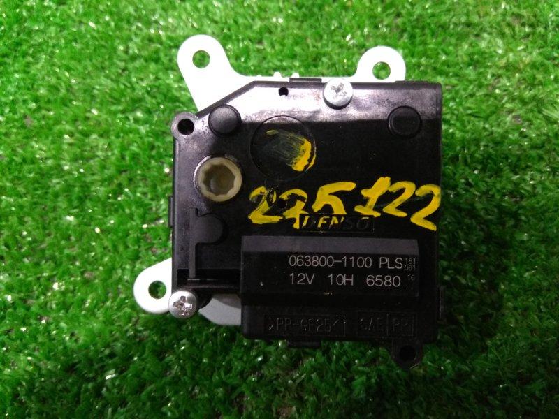 Привод заслонок отопителя Toyota Auris ZRE152H 2ZR-FE 2006 063800-1100 6 контактов