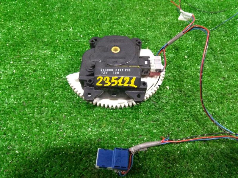 Привод заслонок отопителя Toyota Auris ZRE152H 2ZR-FE 2006 063800-0171 6 контактов
