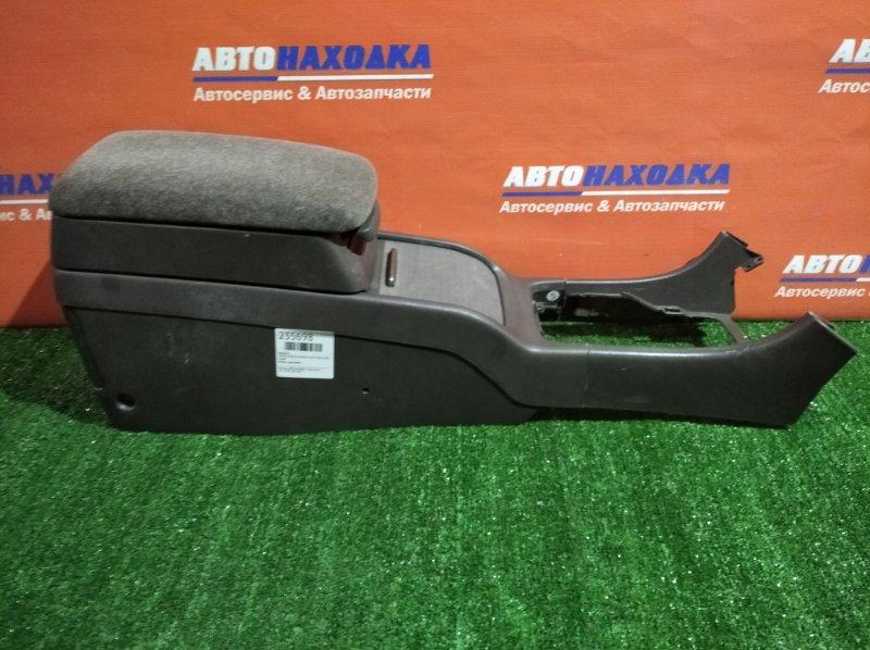 Бардачок Toyota Cresta GX100 1G-FE 1996 между сидениями