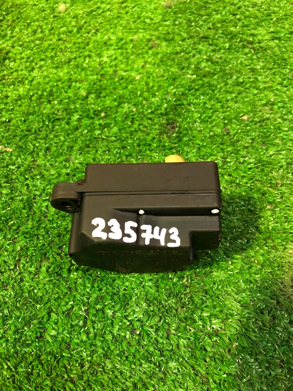 Привод заслонок отопителя Volvo V70 BW5 B5254T6 06.2008 6G9N19E616