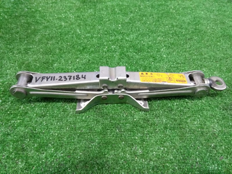 Домкрат Nissan Ad VFY11 QG15DE 1999 WAKO грузоподъемность 700 кг.