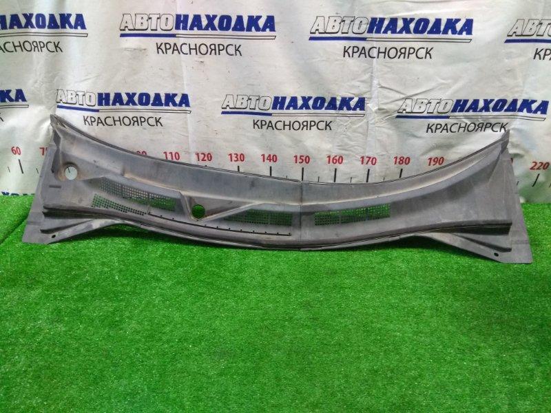 Ветровая панель Nissan X-Trail NT30 QR20DE 2001 из двух частей.