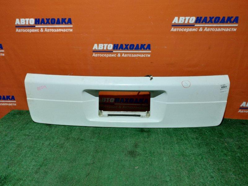 Накладка багажника Nissan Serena TC24 QR20DE 2001 есть потертости