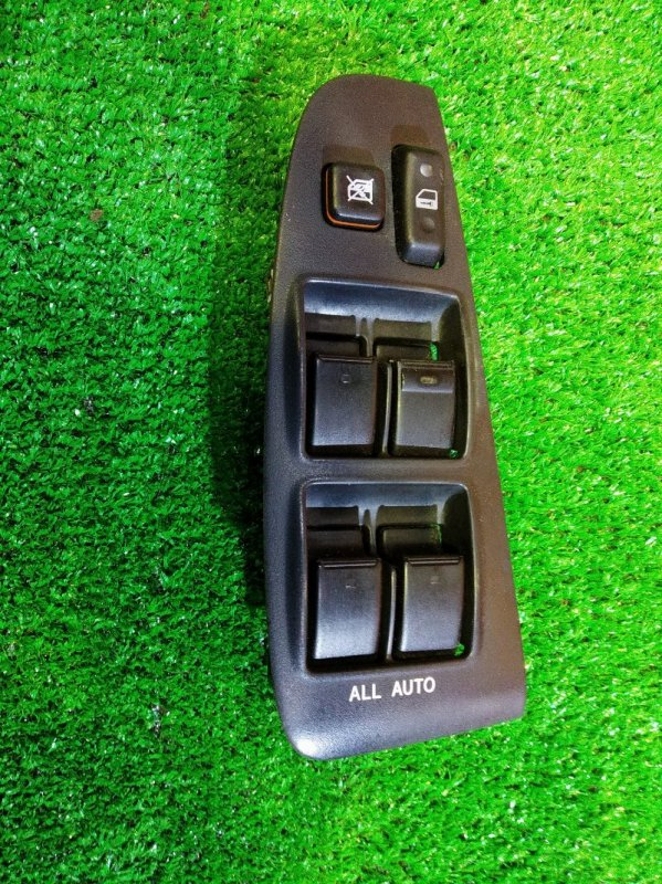 Блок управления стеклоподъемниками Toyota Avensis AZT250 1AZ-FSE 01.2004 правый 84820-05120