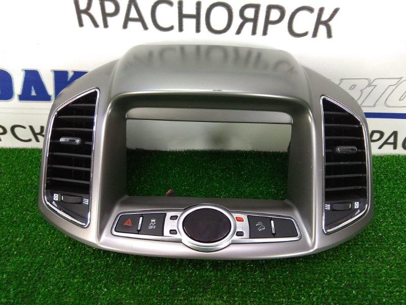 Накладка пластиковая в салон Chevrolet Captiva C140 A24XE 2011 20865682 облицовка вокруг дисплея