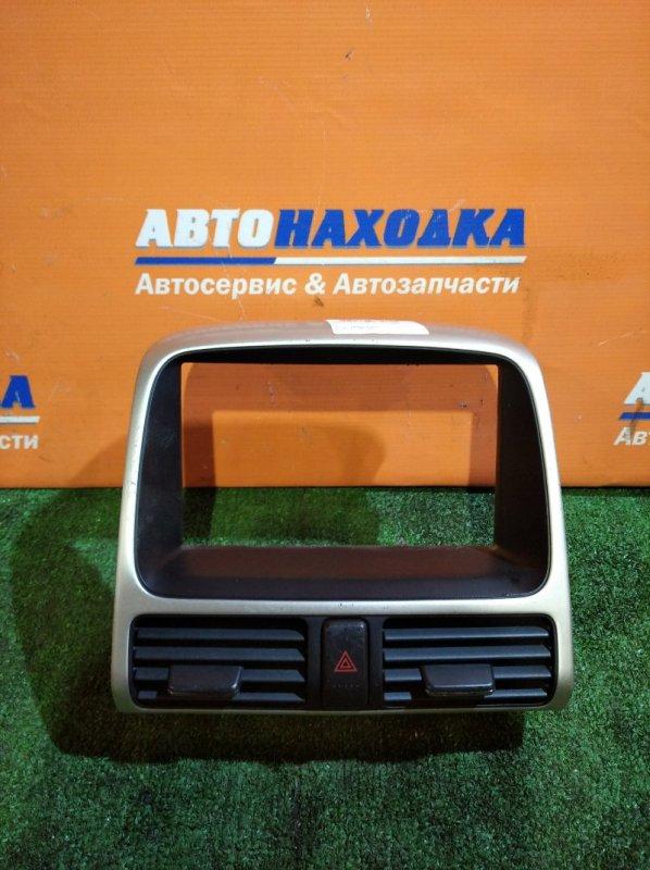 Консоль магнитофона Honda Cr-V RD6 K24A 2004 рамка +дефлекторы+кнопка аварийки