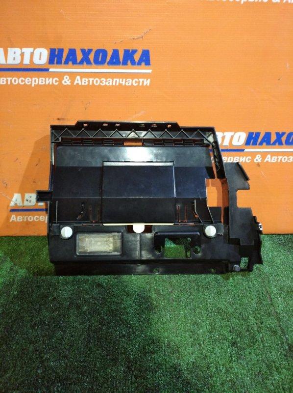 Пластик салона Bmw 530I E39 M54B30 2000 крышка предохранителей