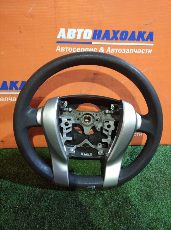 Руль Toyota Aqua NHP10 1NZ-FXE 2011 без заглушки