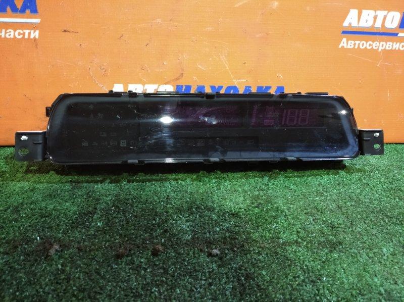 Щиток приборов Toyota Aqua NHP10 1NZ-FXE 2011 цифровой