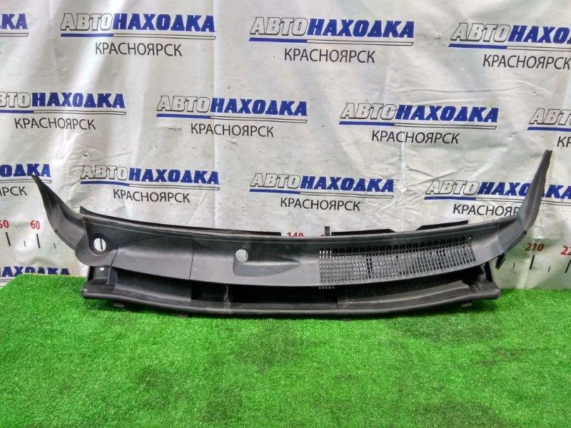 Ветровая панель Toyota Spade NCP141 1NZ-FE 2012 с уголками