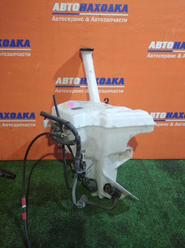 Бачок омывателя Toyota Aqua NHP10 1NZ-FXE 2011 +2 моторчика+моторчик омывателя фар+горловина