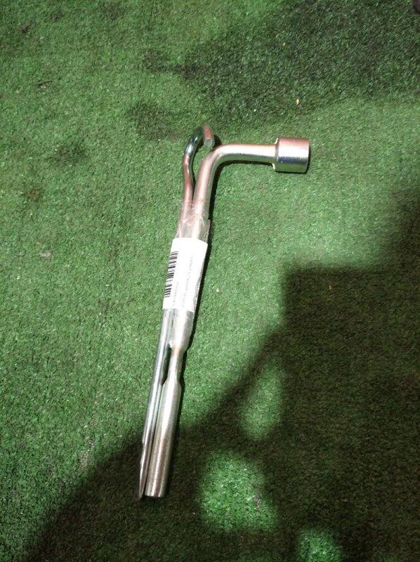 Ключ балонный d=19mm c крюком для домкрата