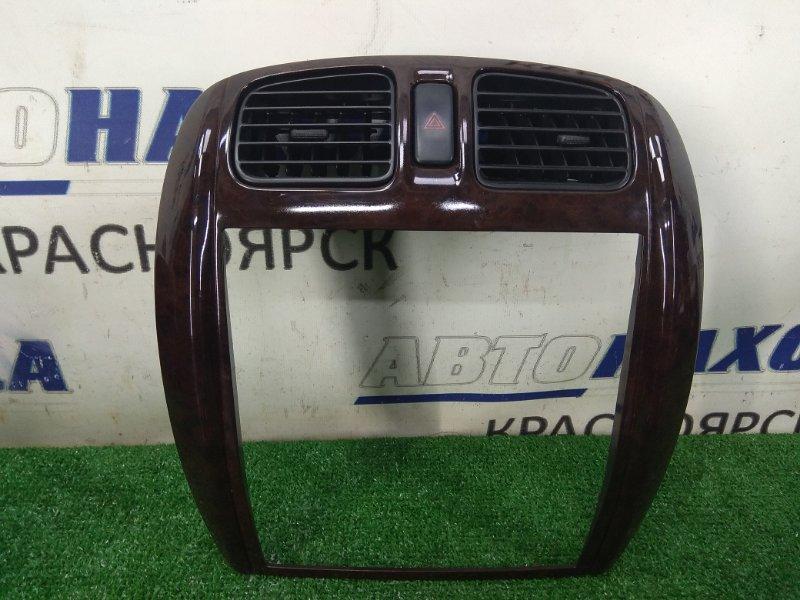 Консоль магнитофона Mazda Premacy CP8W FP-DE 1999 под дерево, с кнопкой аварийки и