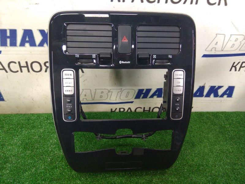 Консоль магнитофона Nissan Leaf ZE0 EM61 2009 ХТС, с воздуховодами и кнопкой аварийки, с