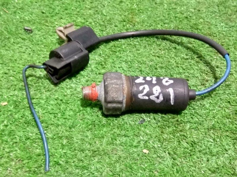 Датчик давления масла Mitsubishi Fuso FH21GG 6M61 2001 Стоит на теплообменнике, с проводом и