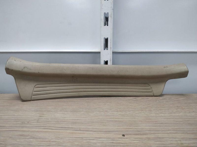 Накладка на порог Toyota Land Cruiser HDJ101K 1HD-FTE задняя правая 67917-60040-A1, 67917-60040-A1
