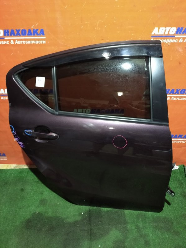 Дверь Toyota Aqua NHP10 1NZ-FXE 2011 задняя правая под покраску/ветровик+петли+стекло