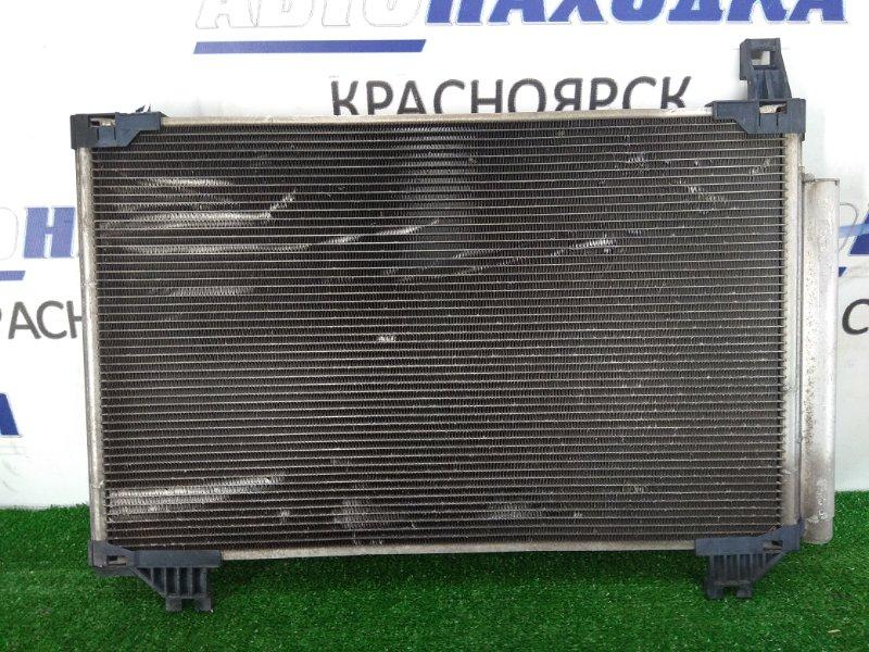 Радиатор кондиционера Toyota Vitz NSP130 1NR-FE 2010 сломано правое верхнее крепление
