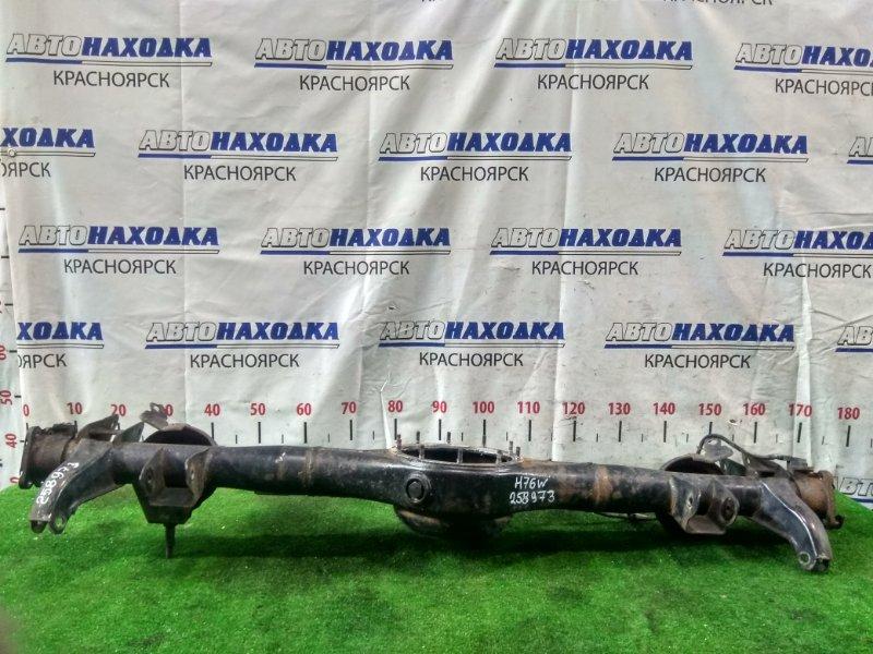Чулок моста Mitsubishi Pajero Io H76W 4G93 1998 задний ABS