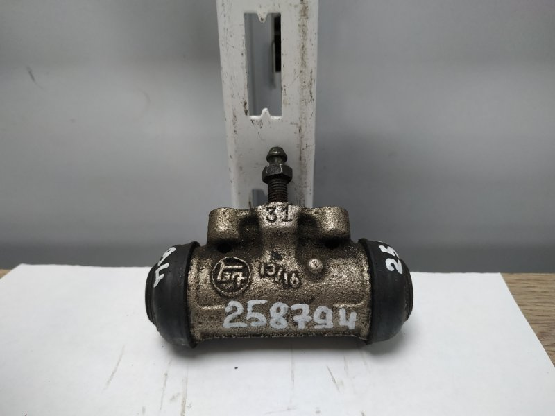 Рабочий тормозной цилиндр Toyota Ipsum SXM10G 3S-FE 1996 задний RR=RL