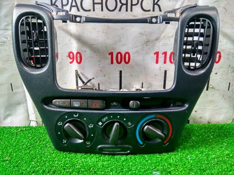 Консоль магнитофона Toyota Funcargo NCP20 2NZ-FE 1999 с механическим блоком климата, с