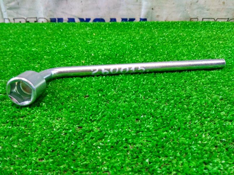 Ключ балонный Subaru Forester SG5 EJ20-T 2002 на 19