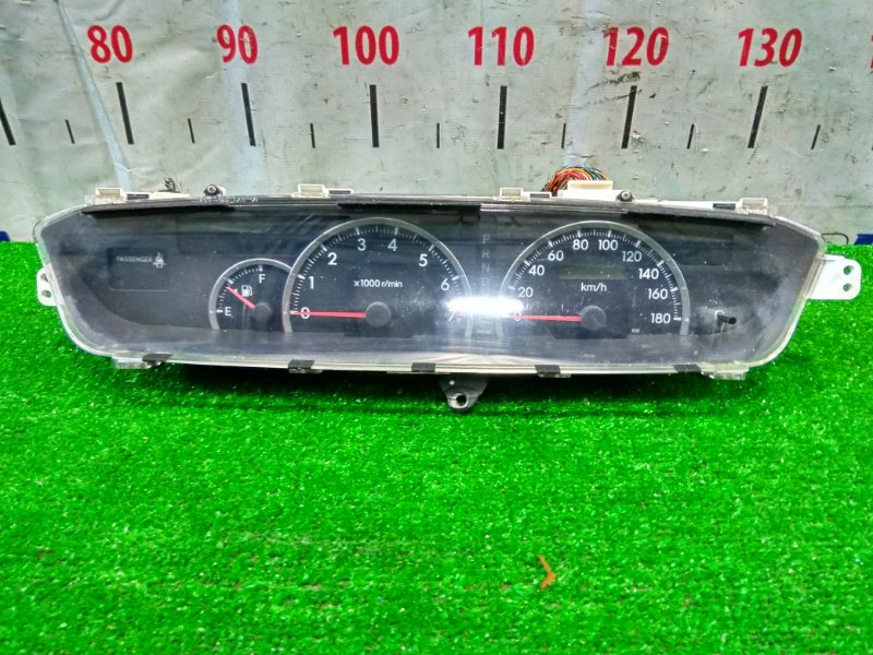 Щиток приборов Toyota Voxy AZR60G 1AZ-FSE 2001 пробег 99 т.км. с фишками