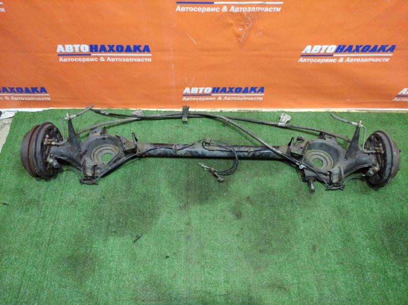 Балка поперечная Nissan March K11 CG10DE 1992 задняя под abs в сборе: ступицы