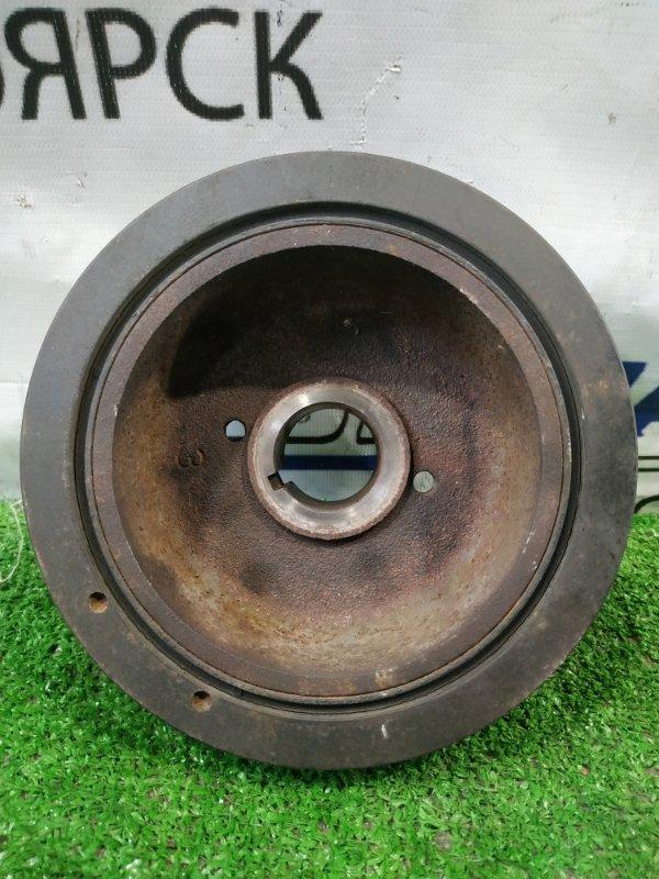 Шкив коленвала Toyota Town Ace Noah SR50G 3S-FE 1996 есть скол.