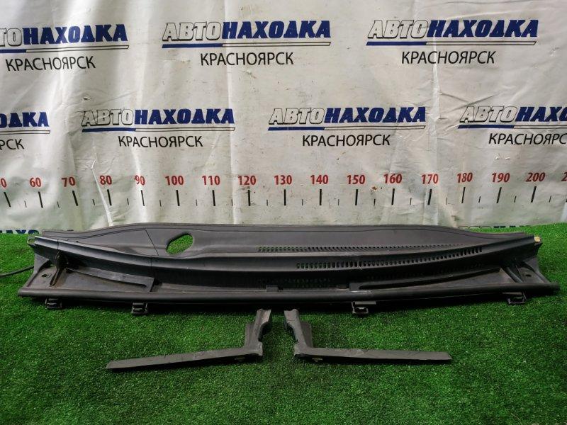 Ветровая панель Toyota Ractis NSP120 1NR-FE 2010 передняя с 2 уголками