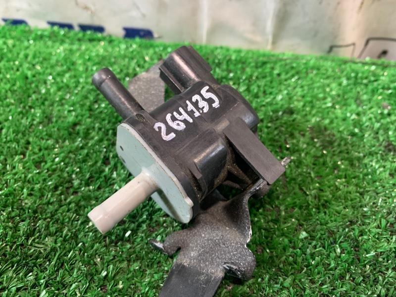 Датчик вакуумный Toyota Ractis NSP120 1NR-FE 2010 вакуумный клапан с патрубка на дроссель