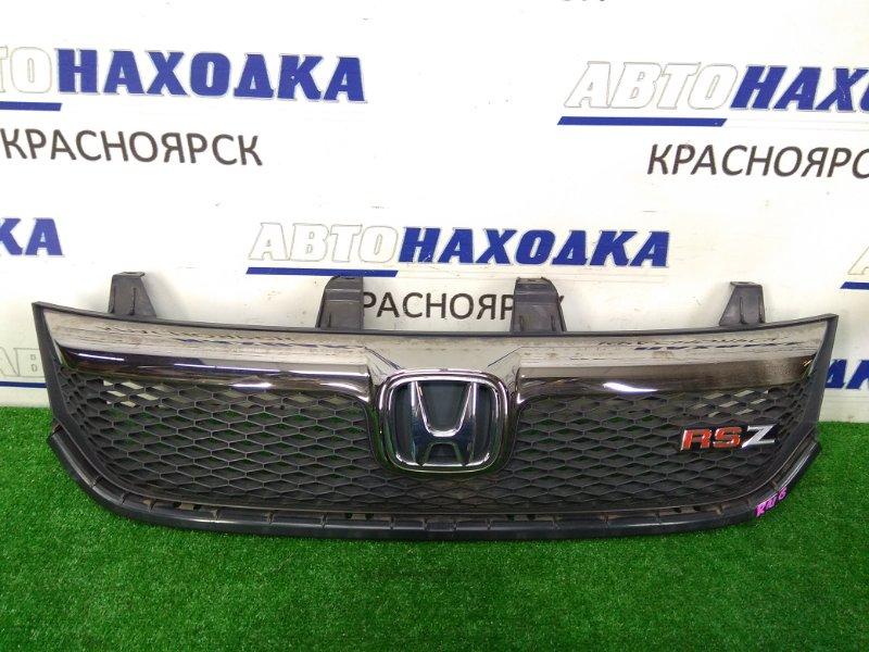 Решетка радиатора Honda Stream RN6 R18A 2006 1 модель, комплектация RSZ, хром немного помутнел